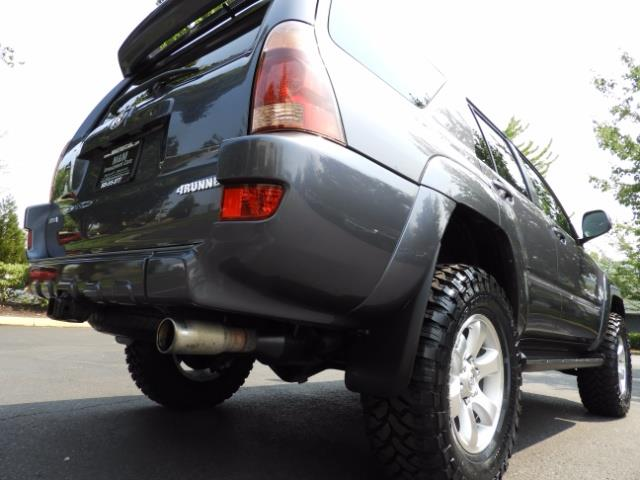 2005 Toyota 4Runner SPORT Edition / 4WD / DIFF LOCK / LIFTED !!! - Photo 12 - Portland, OR 97217