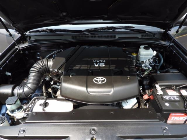 2005 Toyota 4Runner SPORT Edition / 4WD / DIFF LOCK / LIFTED !!! - Photo 18 - Portland, OR 97217