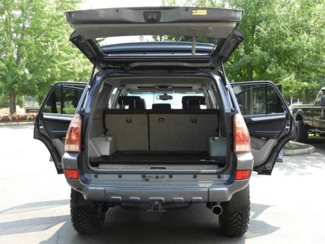 2005 Toyota 4Runner SPORT Edition / 4WD / DIFF LOCK / LIFTED !!! - Photo 26 - Portland, OR 97217