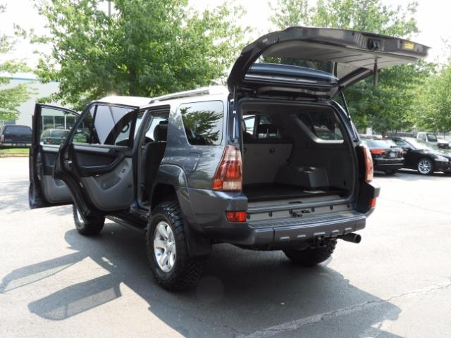 2005 Toyota 4Runner SPORT Edition / 4WD / DIFF LOCK / LIFTED !!! - Photo 25 - Portland, OR 97217