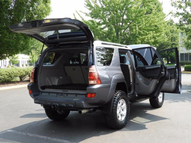 2005 Toyota 4Runner SPORT Edition / 4WD / DIFF LOCK / LIFTED !!! - Photo 28 - Portland, OR 97217