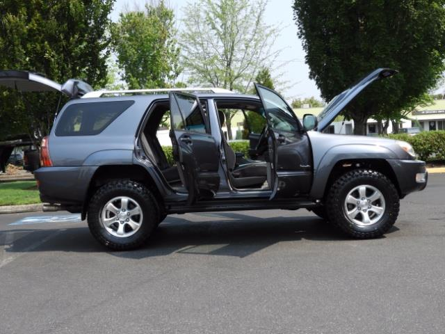 2005 Toyota 4Runner SPORT Edition / 4WD / DIFF LOCK / LIFTED !!! - Photo 22 - Portland, OR 97217