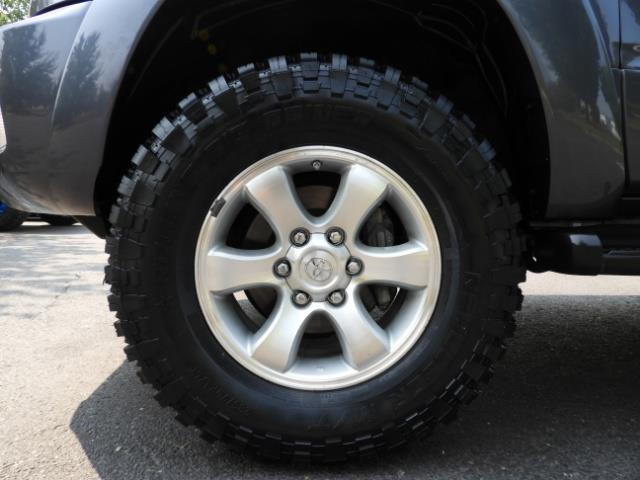 2005 Toyota 4Runner SPORT Edition / 4WD / DIFF LOCK / LIFTED !!! - Photo 23 - Portland, OR 97217