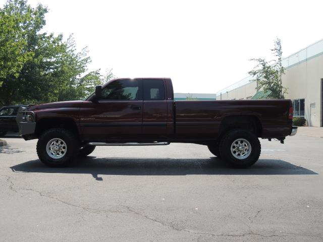2001 Dodge Ram 2500 SLT 4dr / 4X4 / 5.9L DIESEL / 6-SPEED / LIFTED - Photo 3 - Portland, OR 97217