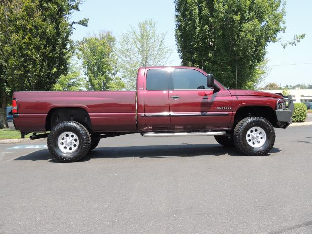 2001 Dodge Ram 2500 SLT 4dr / 4X4 / 5.9L DIESEL / 6-SPEED / LIFTED - Photo 4 - Portland, OR 97217
