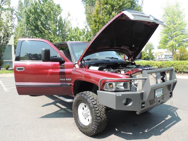 2001 Dodge Ram 2500 SLT 4dr / 4X4 / 5.9L DIESEL / 6-SPEED / LIFTED - Photo 28 - Portland, OR 97217
