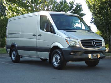 2014 Mercedes-Benz Sprinter Cargo 2500 144 WB / DIESEL / 1-OWNER / Excel Cond Van