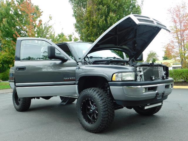 2002 Dodge Ram 2500 SLT Plus 4dr / 4X4 / Leather / 5.9L DIESEL / 6-SPD - Photo 31 - Portland, OR 97217