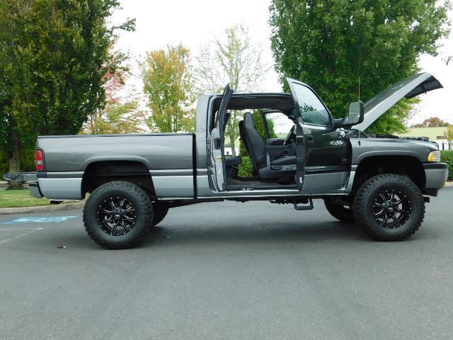 2002 Dodge Ram 2500 SLT Plus 4dr / 4X4 / Leather / 5.9L DIESEL / 6-SPD - Photo 30 - Portland, OR 97217