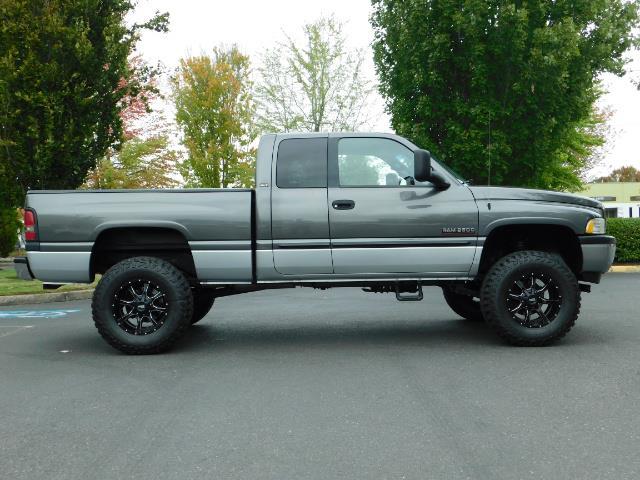 2002 Dodge Ram 2500 SLT Plus 4dr / 4X4 / Leather / 5.9L DIESEL / 6-SPD - Photo 4 - Portland, OR 97217