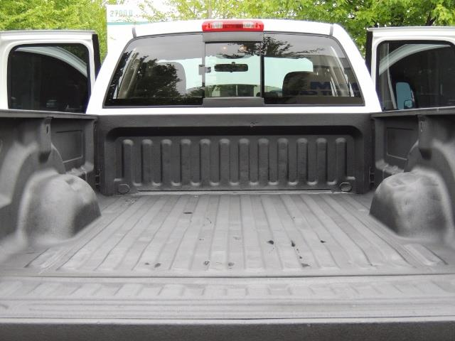 2004 Dodge Ram 2500 SLT 4dr  / 4X4 / 5.9L CUMMINS DIESEL / 1-OWNER - Photo 28 - Portland, OR 97217