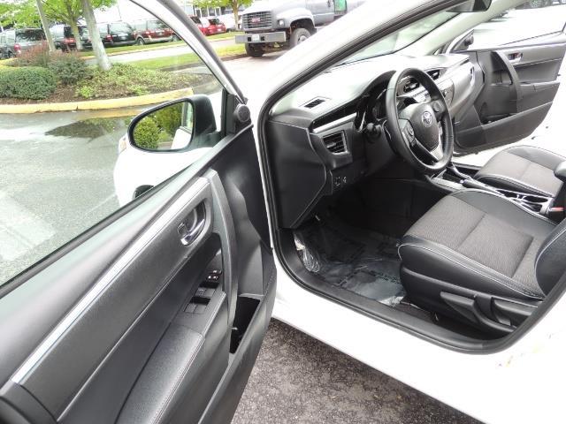 2016 Toyota Corolla S Plus / Sedan / Sunroof / Backup Camera / Spoiler - Photo 13 - Portland, OR 97217