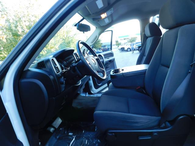 2009 Chevrolet Silverado 2500 LT / Crew Cab / 4X4 / 6.6L DIESEL / ALLISON TRANNY - Photo 14 - Portland, OR 97217