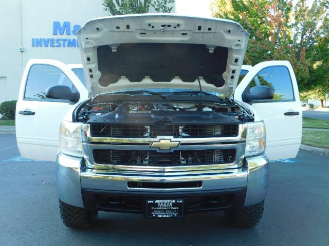 2009 Chevrolet Silverado 2500 LT / Crew Cab / 4X4 / 6.6L DIESEL / ALLISON TRANNY - Photo 31 - Portland, OR 97217