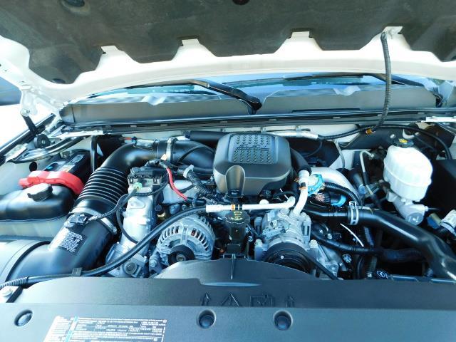 2009 Chevrolet Silverado 2500 LT / Crew Cab / 4X4 / 6.6L DIESEL / ALLISON TRANNY - Photo 32 - Portland, OR 97217