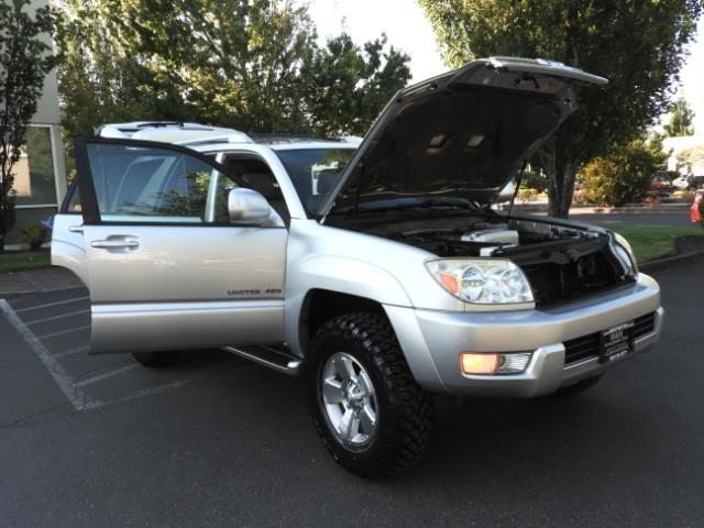 2004 Toyota 4Runner LIMITED Edition 4WD / V8 4.7L / DIFF LOCK / LIFTED - Photo 29 - Portland, OR 97217