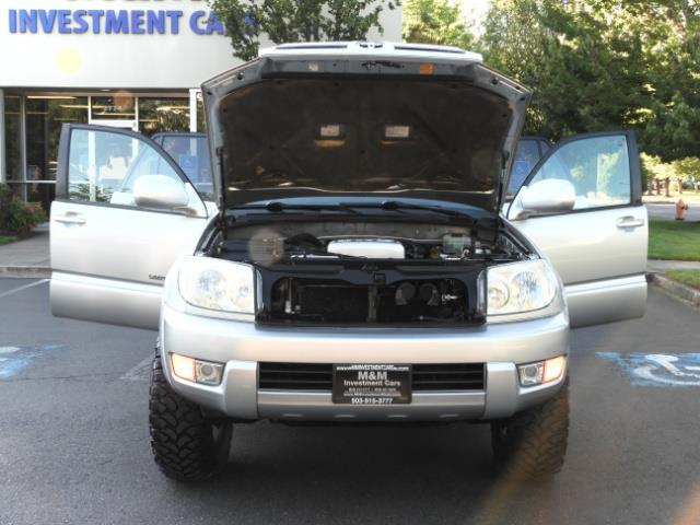 2004 Toyota 4Runner LIMITED Edition 4WD / V8 4.7L / DIFF LOCK / LIFTED - Photo 30 - Portland, OR 97217