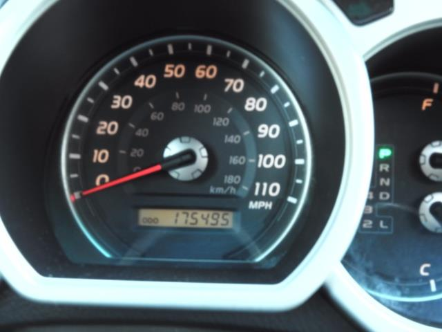 2004 Toyota 4Runner LIMITED Edition 4WD / V8 4.7L / DIFF LOCK / LIFTED - Photo 42 - Portland, OR 97217