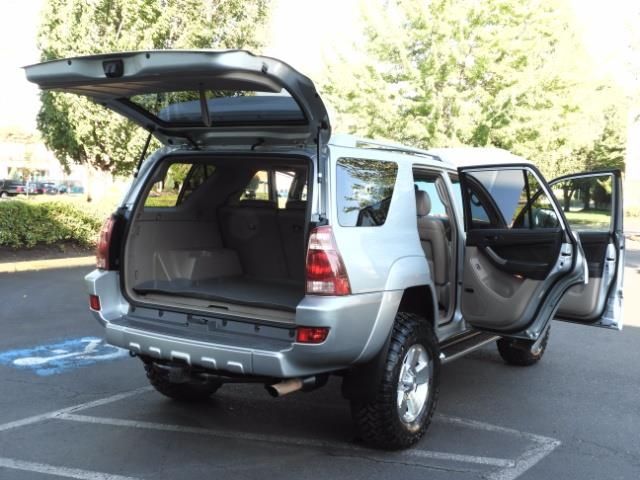2004 Toyota 4Runner LIMITED Edition 4WD / V8 4.7L / DIFF LOCK / LIFTED - Photo 28 - Portland, OR 97217
