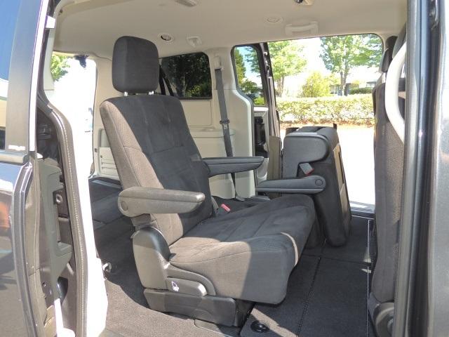 2011 dodge grand caravan express stow n go bucket seats 1 owner. Black Bedroom Furniture Sets. Home Design Ideas