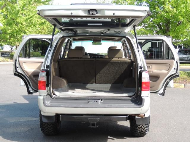 2000 Toyota 4Runner Limited / 4WD / Leather / Rear Diff Lock / LIFTED - Photo 28 - Portland, OR 97217