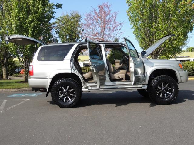 2000 Toyota 4Runner Limited / 4WD / Leather / Rear Diff Lock / LIFTED - Photo 30 - Portland, OR 97217