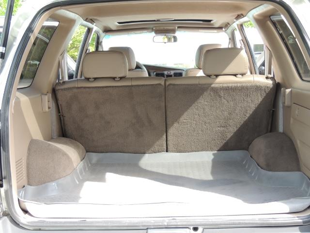 2000 Toyota 4Runner Limited / 4WD / Leather / Rear Diff Lock / LIFTED - Photo 22 - Portland, OR 97217