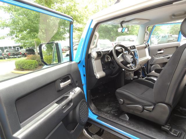 2007 Toyota FJ Cruiser 4dr SUV / 4X4 / REAR DIFF LOCKS / LIFTED LIFTED - Photo 15 - Portland, OR 97217