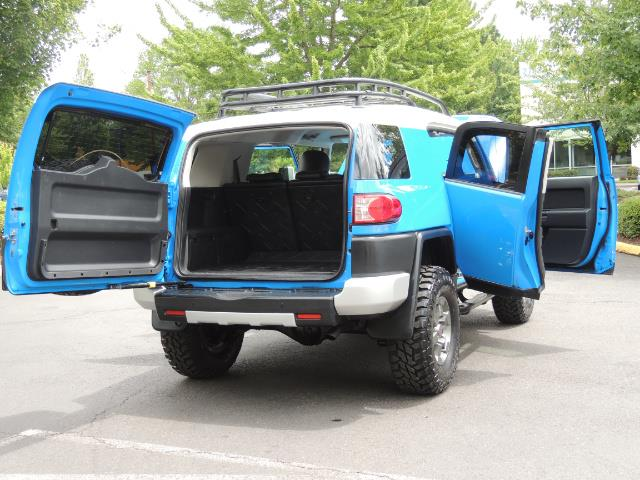 2007 Toyota FJ Cruiser 4dr SUV / 4X4 / REAR DIFF LOCKS / LIFTED LIFTED - Photo 28 - Portland, OR 97217