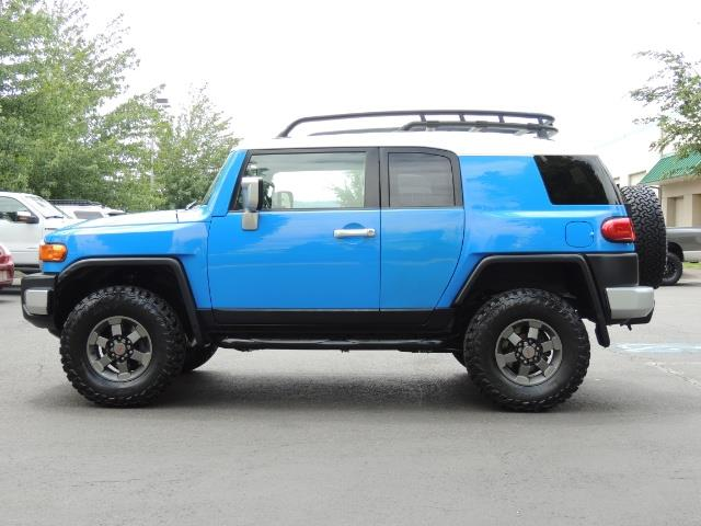 2007 Toyota FJ Cruiser 4dr SUV / 4X4 / REAR DIFF LOCKS / LIFTED LIFTED - Photo 3 - Portland, OR 97217