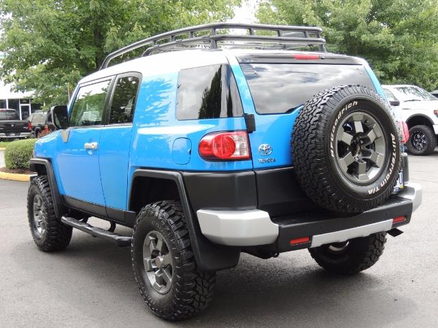 2007 Toyota FJ Cruiser 4dr SUV / 4X4 / REAR DIFF LOCKS / LIFTED LIFTED - Photo 7 - Portland, OR 97217