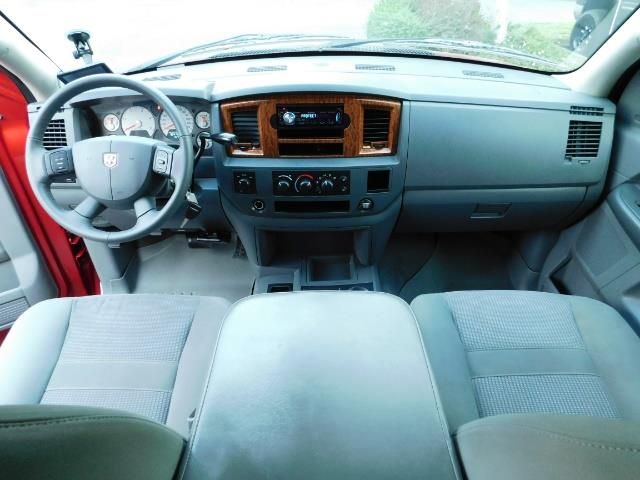 2006 Dodge Ram 2500 SLT SLT 4dr Mega Cab / 4X4 / 5.9L DIESEL CUMMINS - Photo 37 - Portland, OR 97217