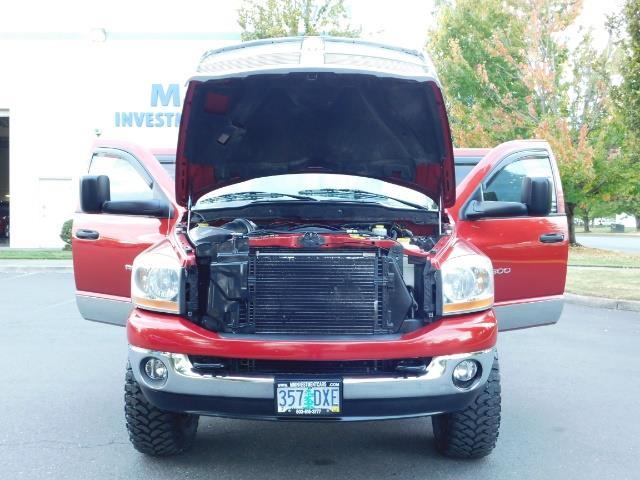 2006 Dodge Ram 2500 SLT SLT 4dr Mega Cab / 4X4 / 5.9L DIESEL CUMMINS - Photo 32 - Portland, OR 97217