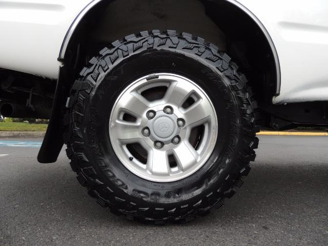 "2000 Toyota Tacoma 2dr 4WD 5Spd Manual / New 31 "" Mud Tires - Photo 31 - Portland, OR 97217"