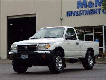 2000 Toyota Tacoma 2dr 4WD 5Spd Manual / New 31