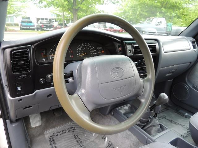 "2000 Toyota Tacoma 2dr 4WD 5Spd Manual / New 31 "" Mud Tires - Photo 18 - Portland, OR 97217"