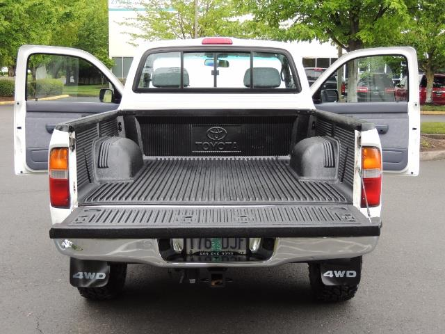 "2000 Toyota Tacoma 2dr 4WD 5Spd Manual / New 31 "" Mud Tires - Photo 12 - Portland, OR 97217"