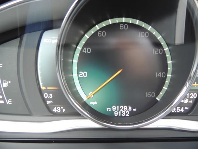 2017 Volvo V60 T5 Premier / Wagon / Navigation / Backup Camera - Photo 39 - Portland, OR 97217