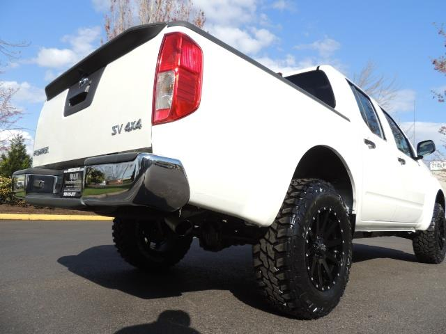 2016 Nissan Frontier SV / 4X4 / Crew Cab / 6Cyl / LIFTED LIFTED - Photo 12 - Portland, OR 97217