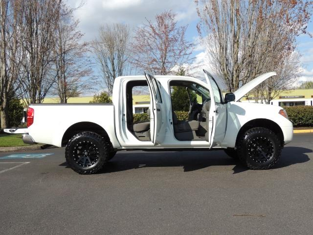 2016 Nissan Frontier SV / 4X4 / Crew Cab / 6Cyl / LIFTED LIFTED - Photo 30 - Portland, OR 97217