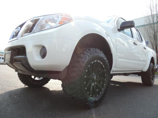 2016 Nissan Frontier SV / 4X4 / Crew Cab / 6Cyl / LIFTED LIFTED - Photo 9 - Portland, OR 97217
