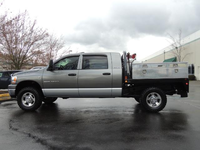 2006 Dodge Ram 2500 SLT 4dr Mega Cab / 4X4 / 5.9L DIESEL / FLAT BED - Photo 3 - Portland, OR 97217