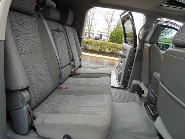 2006 Dodge Ram 2500 SLT 4dr Mega Cab / 4X4 / 5.9L DIESEL / FLAT BED - Photo 17 - Portland, OR 97217