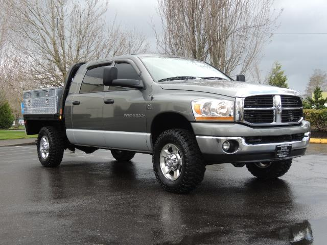 2006 Dodge Ram 2500 SLT 4dr Mega Cab / 4X4 / 5.9L DIESEL / FLAT BED - Photo 2 - Portland, OR 97217