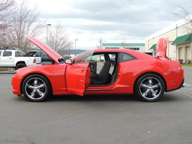 2014 Chevrolet Camaro LS / Coupe / 3.6 Liter 6Cyl / ONLY 9000 MILES - Photo 22 - Portland, OR 97217