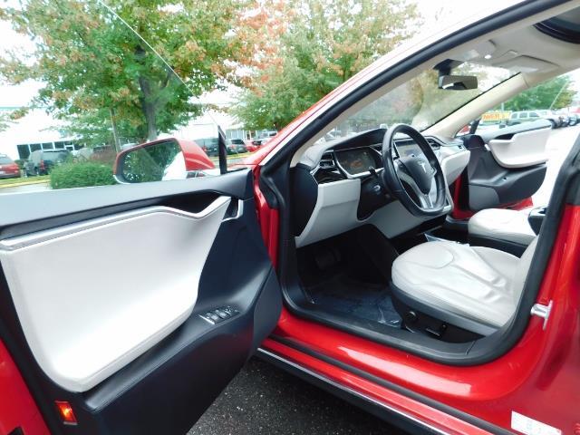 2013 Tesla Model S 85K / Leather / Tech  Pkg / Active air suspension - Photo 13 - Portland, OR 97217