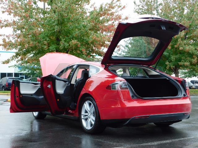 2013 Tesla Model S 85K / Leather / Tech  Pkg / Active air suspension - Photo 27 - Portland, OR 97217