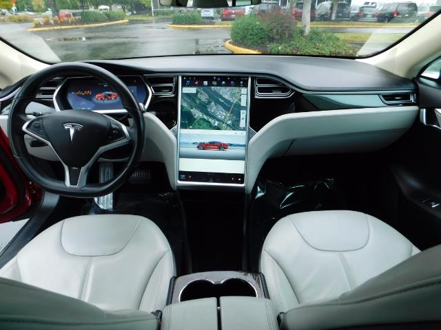 2013 Tesla Model S 85K / Leather / Tech  Pkg / Active air suspension - Photo 35 - Portland, OR 97217