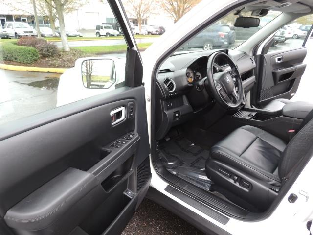 2013 Honda Pilot Touring /4WD / Navi / DVD / Third Seats / 1-OWNER - Photo 13 - Portland, OR 97217