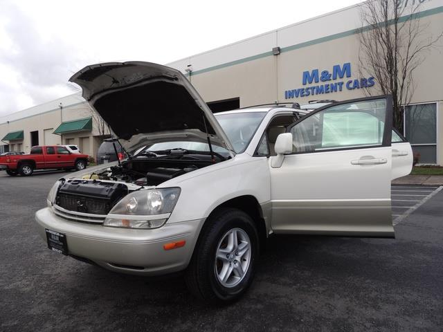 1999 Lexus RX 300 / AWD / Leather / Sunroof / Great Conditon - Photo 25 - Portland, OR 97217